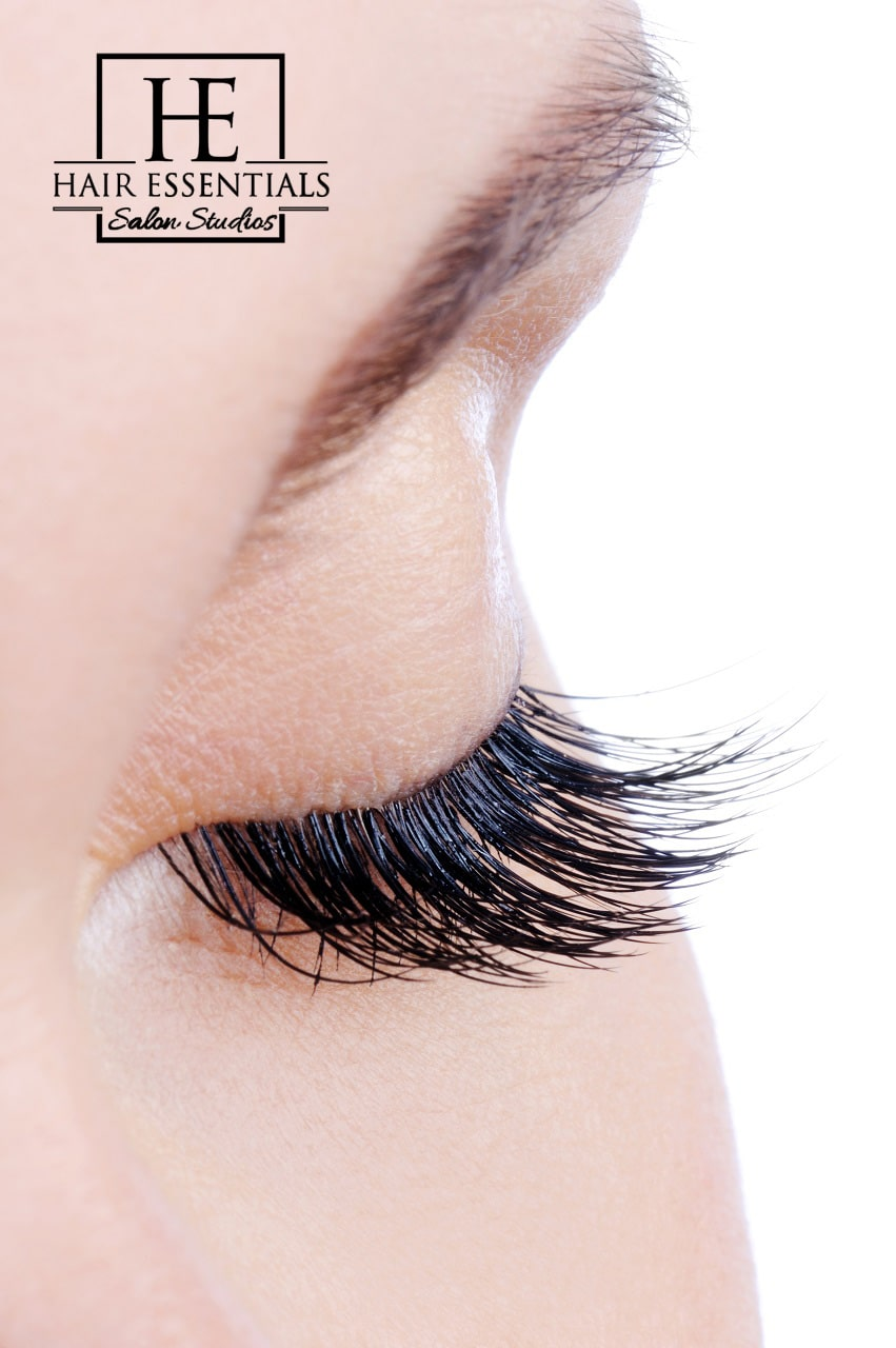 woman with long eyelash extensions