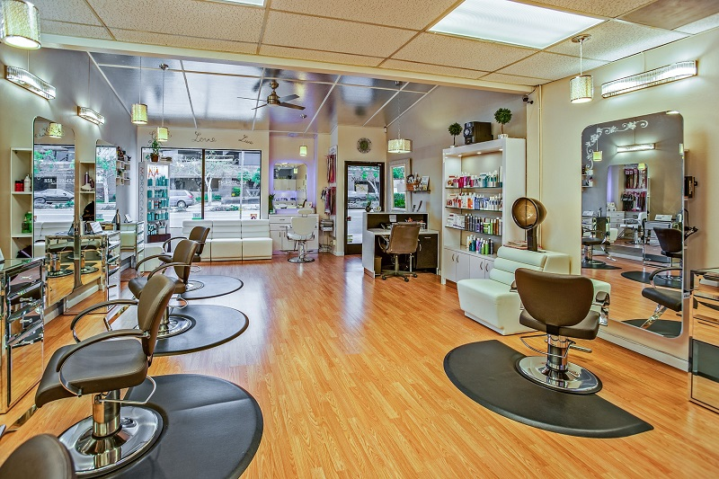 beauty studio rental